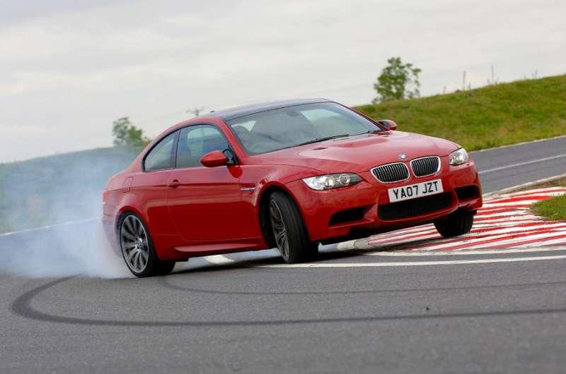 BMW M3 E90 yorumları
