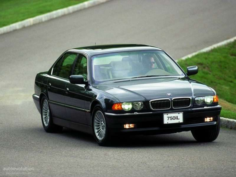 BMW 7 SERİSİ E38 yorumları