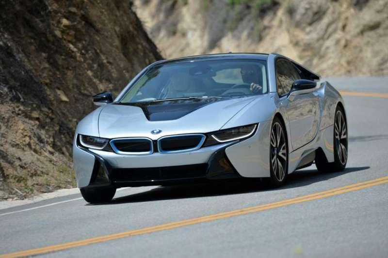 BMW i8 yorumları