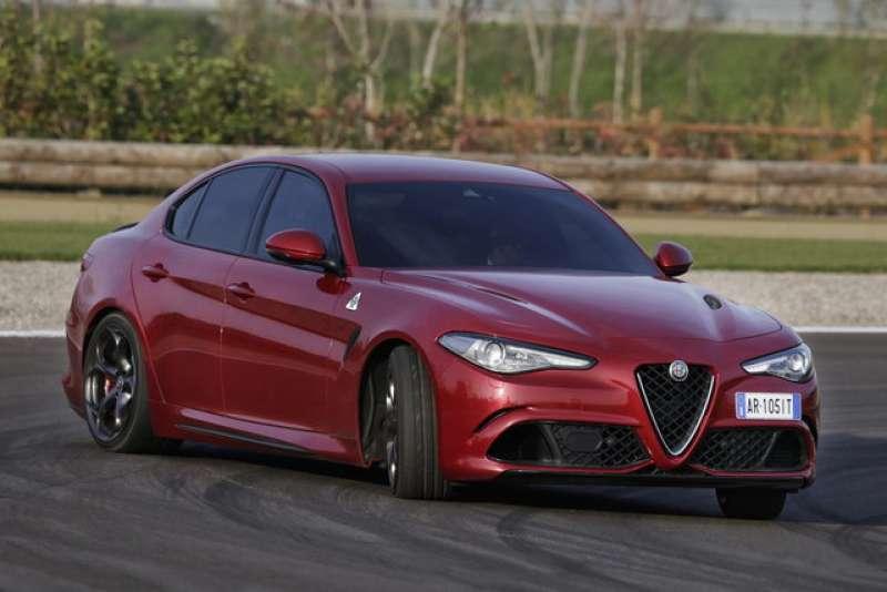 Alfa Romeo Giulia Quadrifoglio yorumları