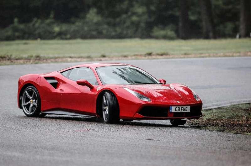 Ferrari 488 yorumları