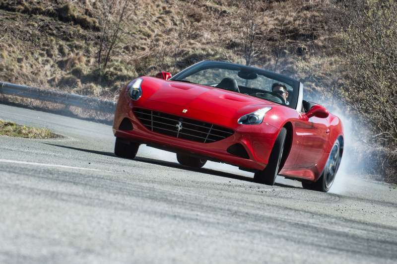 Ferrari California yorumları