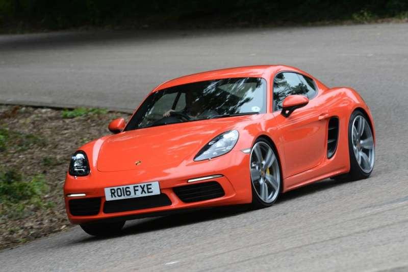 Porsche 718 yorumları