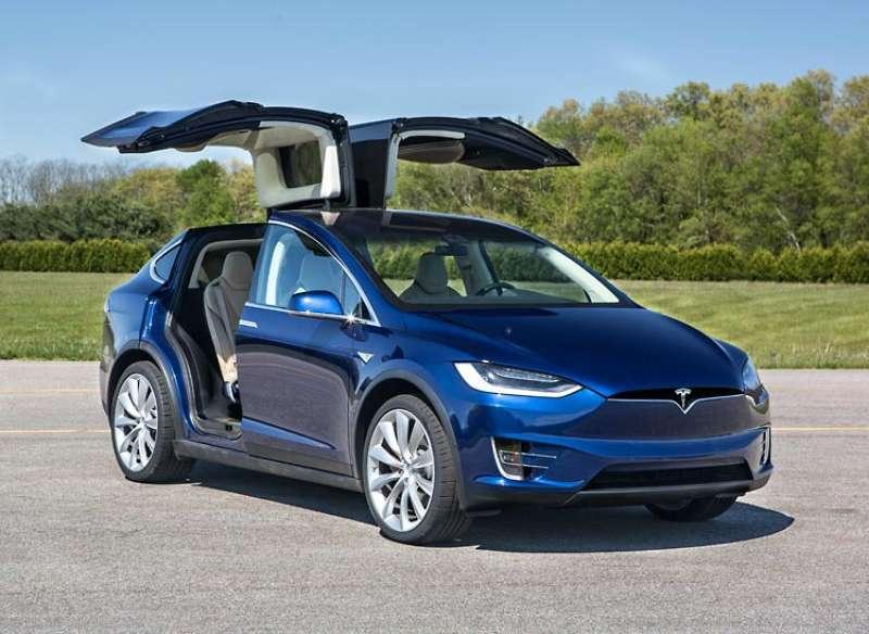 Tesla Model X yorumları