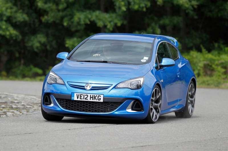 Opel Astra OPC yorumları